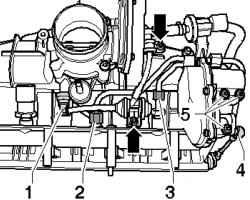 Соединения топливопровода, заслонка впускного коллектора и двигатель
