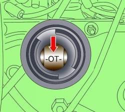 Метка на распределительном валу при установке поршня первого цилиндра в ВМТ такта сжатия