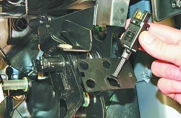 Замена выключателя стоп-сигнала сузуки Кислородный датчик мерседес w203