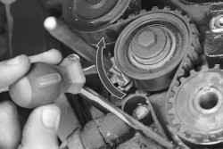 chevrolet lanos регулировка натяжного ролика грм