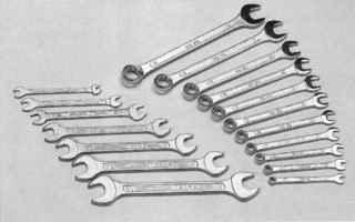 Набор гаечных ключей размерностью от 6 до 19 мм. Набор комбинированных ключей размерами 10, 13, 17, 19 мм