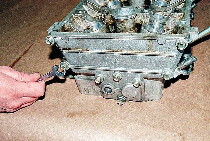 снятие и ремонт головки блока цилиндров двигателя ЗМЗ 406 на автомобиле Волга ГАЗ 31105