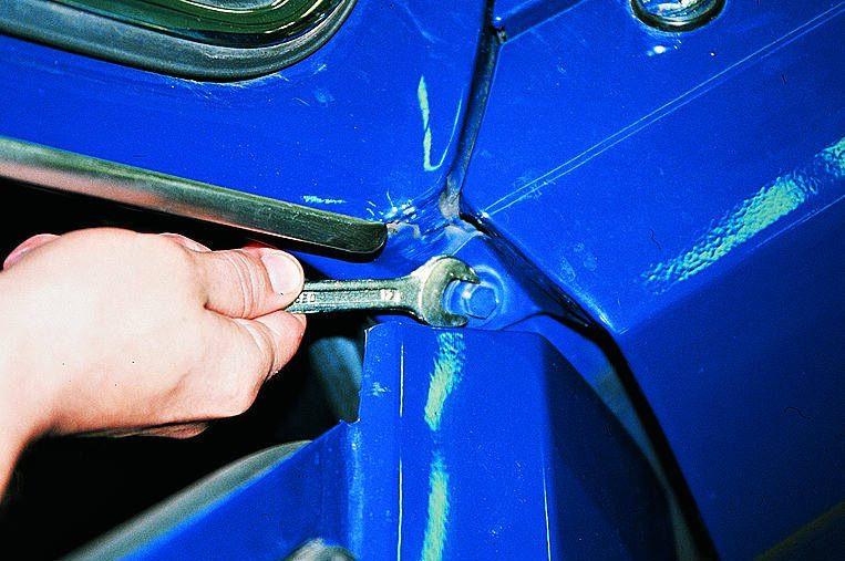 как поменять передний поворотник на газ 3110