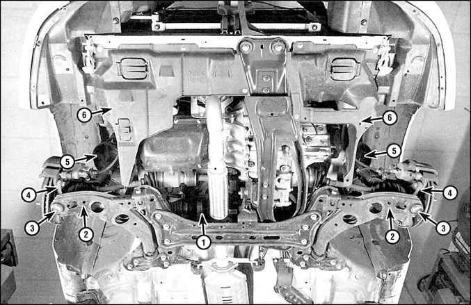 Передняя подвеска является полностью независимой и использует стойки MacPherson.