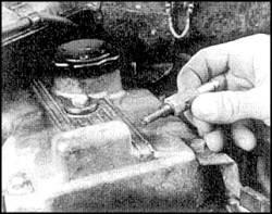 2.5. Золотник вентиляции картера (бензиновые двигатели)