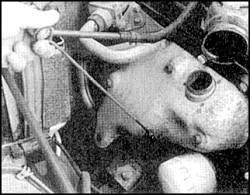 2.14.1. Проверка уровня масла в двигателе