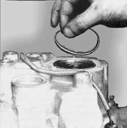 Установка регулировочного кольца подшипника вторичного вала