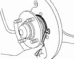 Проверка зазора датчика скорости вращения заднего колеса