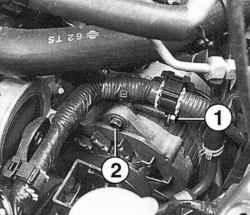 Снятие ремня привода генератора на дизельном двигателе