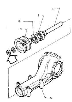 8.4 Отверните гайку и снимите фланец и сальник 1. Втулка направляющего подшипника 2.  Направляющий подшипник 3. Сальник 4. Фланец редуктора 5. Картер редуктора