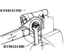 16.5 Отворачивание регулировочной гайки редуктора