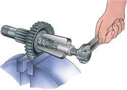 Снятие внутpеннего кольца pоликового подшипника пpомежуточного вала