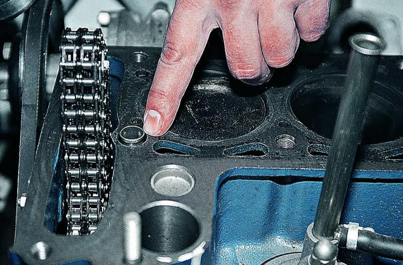 Замена прокладки головки блока цилиндров Ваз 2106 Жигули.