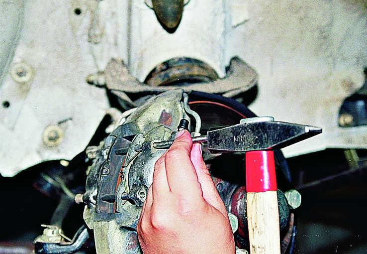 Замена тормозных колодок на ваз 2107 своими руками 78