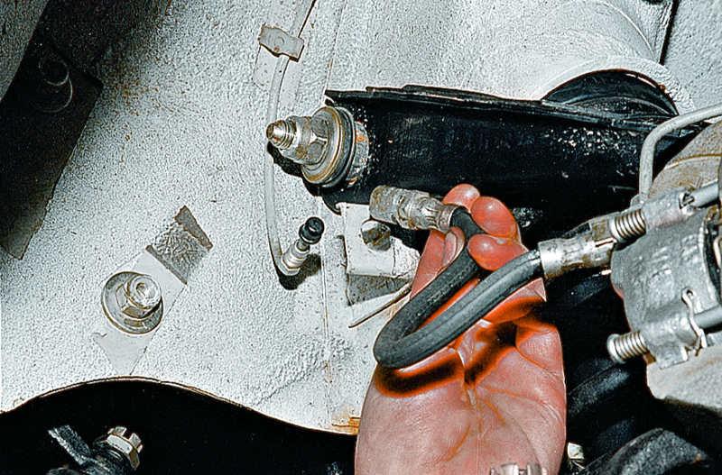 Замена тормозного шланга opel Замена сайлентблока нижнего рычага поло