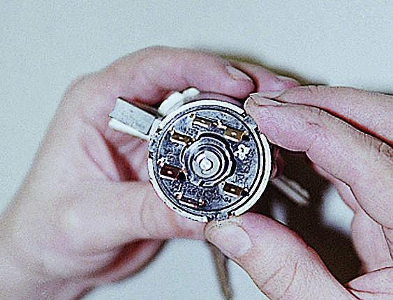 Схема подключения замка зажигания ваз 2106.