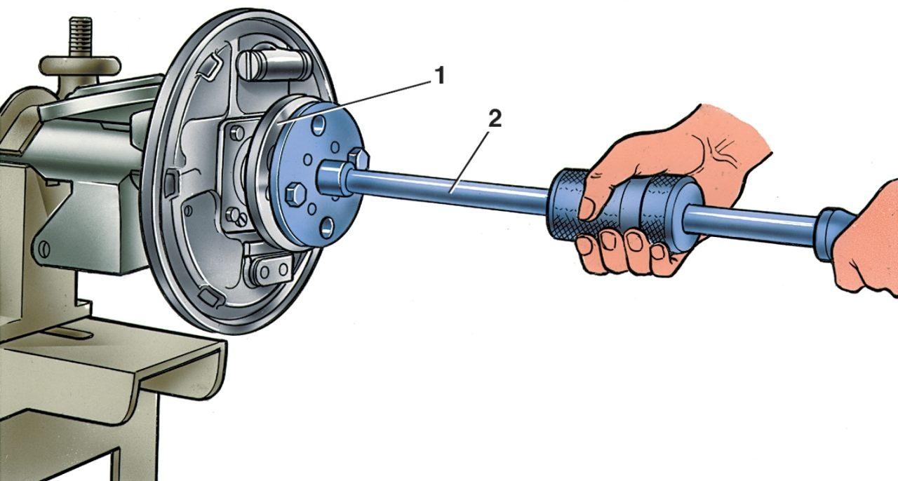 Примечание.Тормозные барабаны устанавливайте после установки заднего моста на автомобиль и закрепления на рычагах...