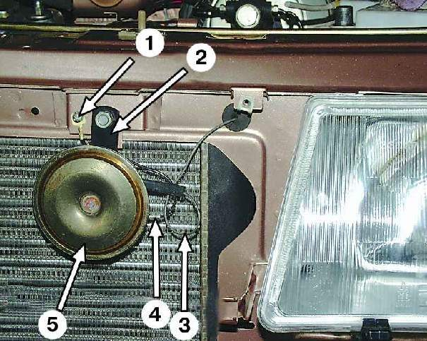 Замена неразборного звукового сигнала автомобиля ваз 2109.