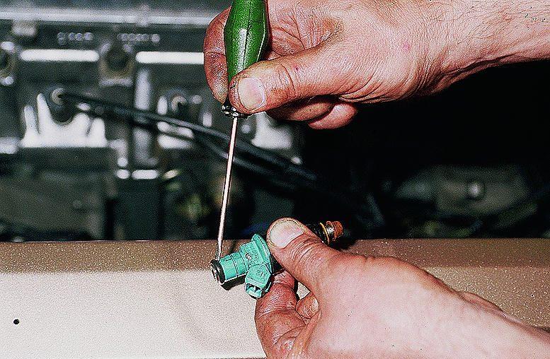Схема управления инжектором автомобиля.