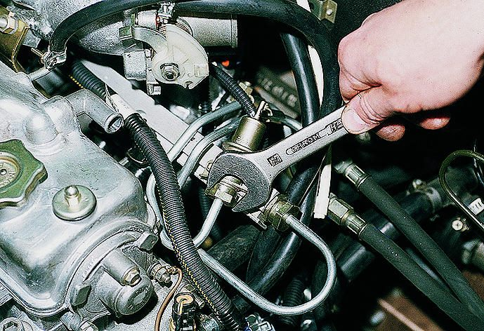 Фото №37 - замена регулятора давления топлива ВАЗ 2110