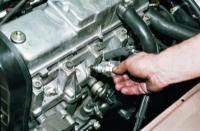 Замена свечей зажигания на автомобиле Ваз 2106.