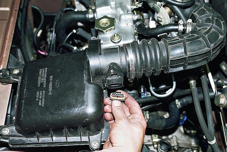 Снятие и установка датчика массового расхода воздуха Ваз 2110, Ваз 2111, Ваз 2112, Лада Десятка.