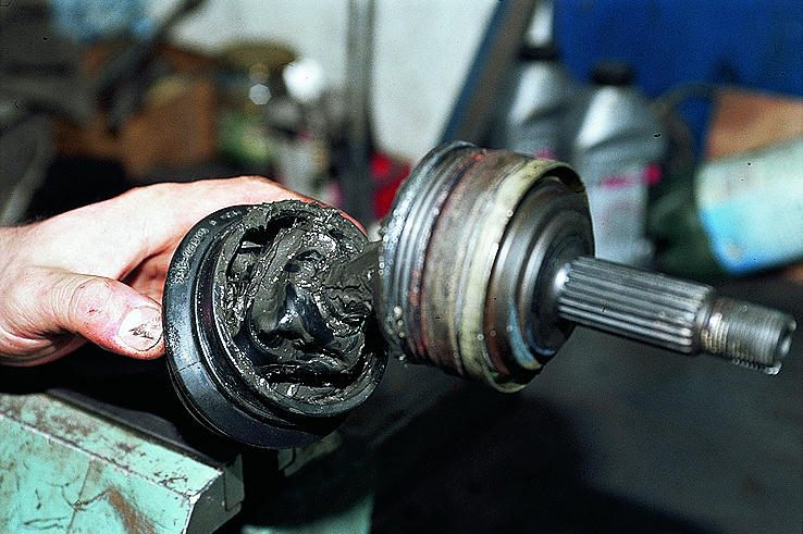 Фото №10 - замена гранаты ВАЗ 2110 своими руками