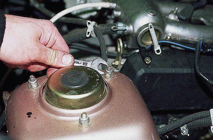 Простая надежная схема зарядного устройства для автомобиля.
