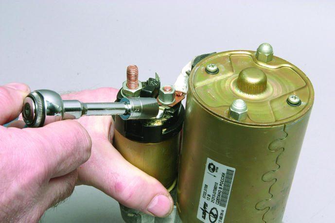 Очищаем стартер от грязи.  Особенности ремонта автомобиля ВАЗ-2107-20 с двигателем ВАЗ-2104.