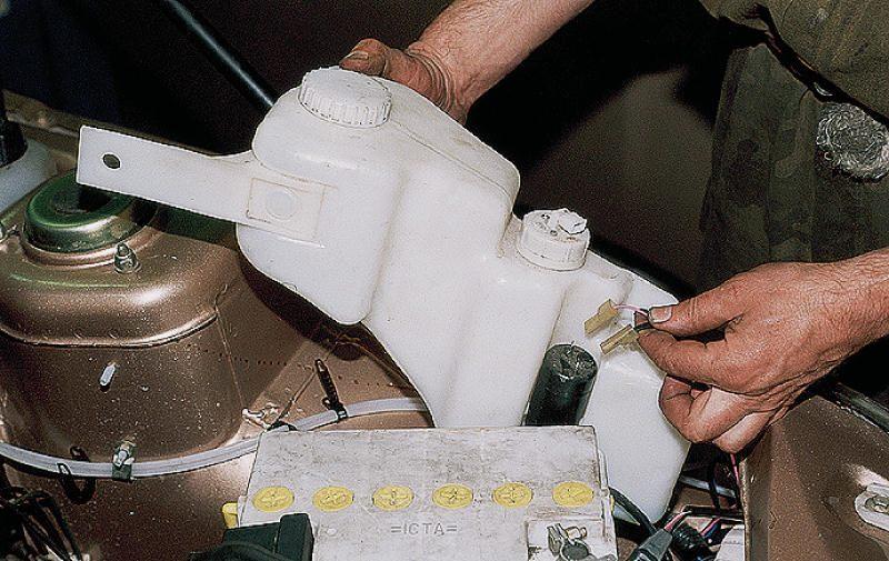 Фото №21 - не работает омыватель лобового стекла ВАЗ 2110