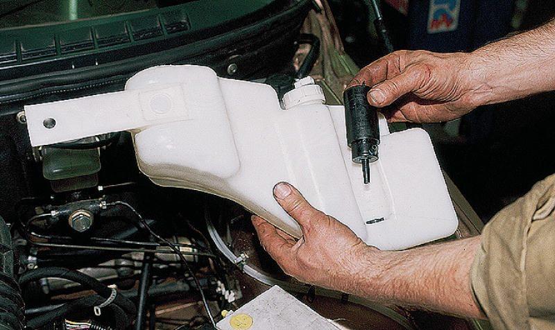 Еще 1. масло AGIP TECSINT SL 5W-40 2. фильтр топливный, хороший 3. бачек омывателя лобового стекла на 1 моторчик...