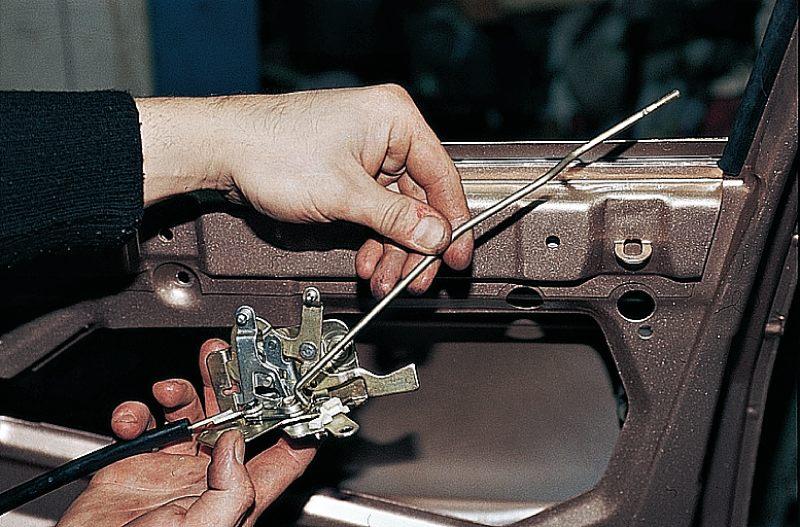 Фото №16 - механизм открывания двери ВАЗ 2110