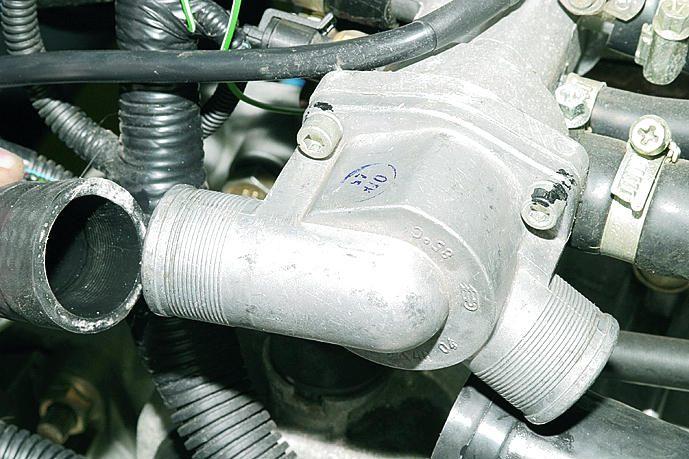 Фото №1 - как выглядит термостат на ВАЗ 2110