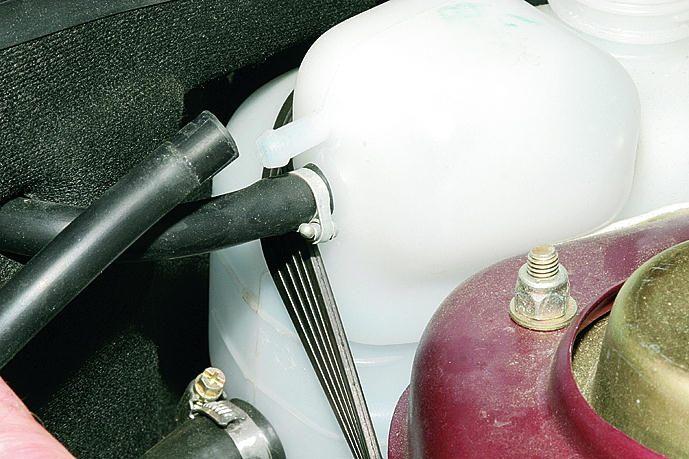 Фото №2 - расширительный бачок системы охлаждения двигателя ВАЗ 2110