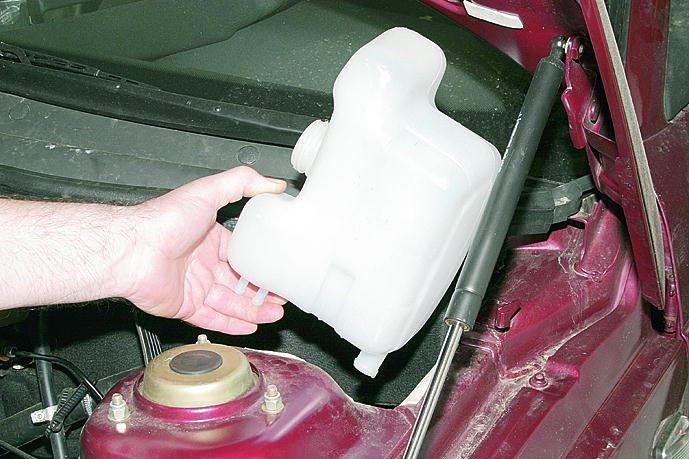 Фото №14 - расширительный бачок системы охлаждения двигателя ВАЗ 2110