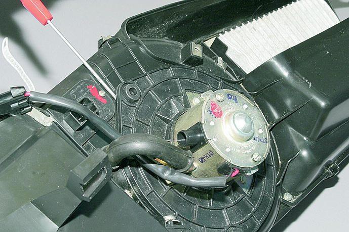 Ваз 2110 схема электрооборудования лампа подсветки рычагов управления отопителем 11 электродвигатель вентилятора...