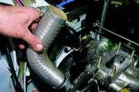 Замена прокладок впускной трубы и выпускного коллектора карбюраторного двигателя.