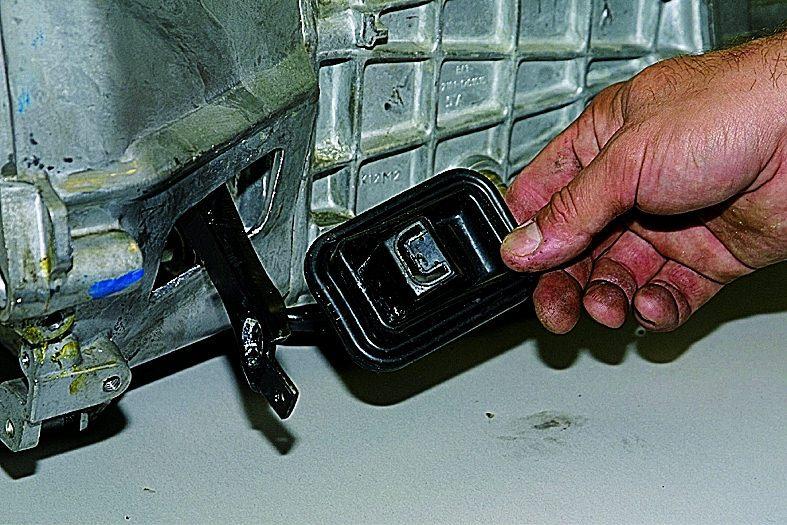 Как поменять сцепление на ваз 21213 своими руками