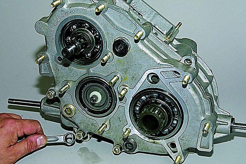 Общий принцип устройства раздаточной коробки передач.