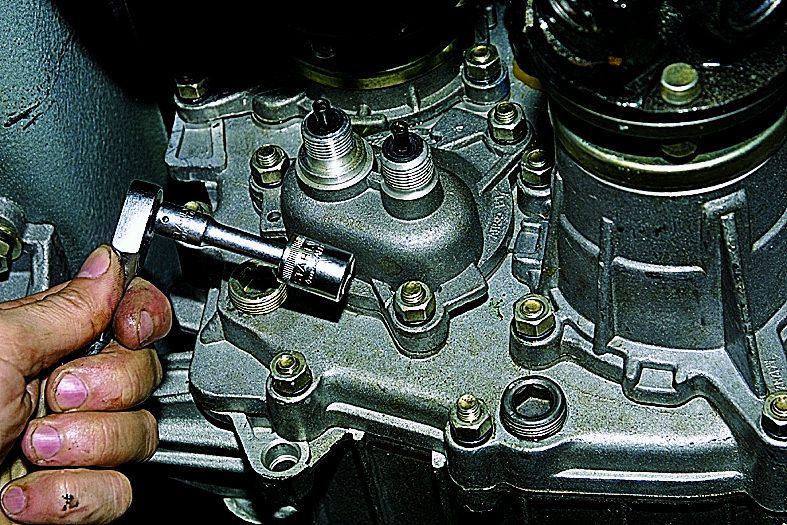 снятие и установка привода спидометра citroen c25
