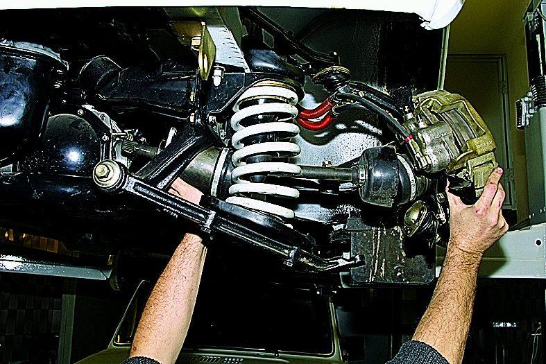 синтетическое передний кардан бьет по кузову нива 21213 как