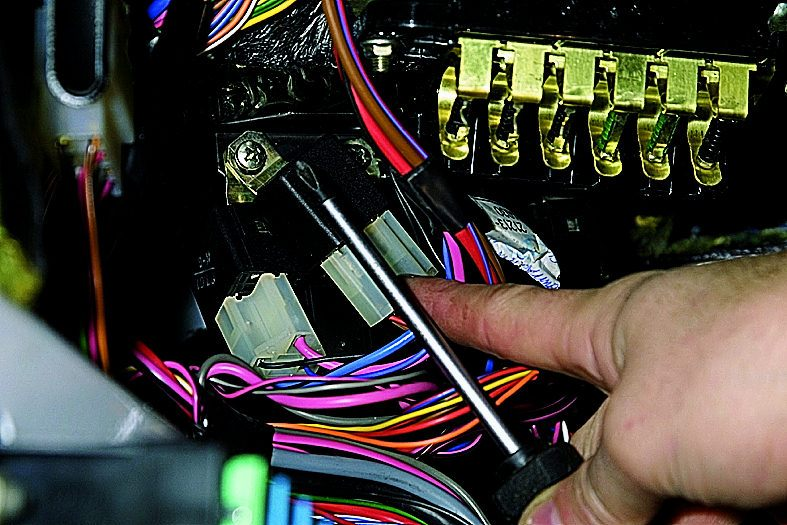 Какой контроллер стоит на ваз 2131 2013