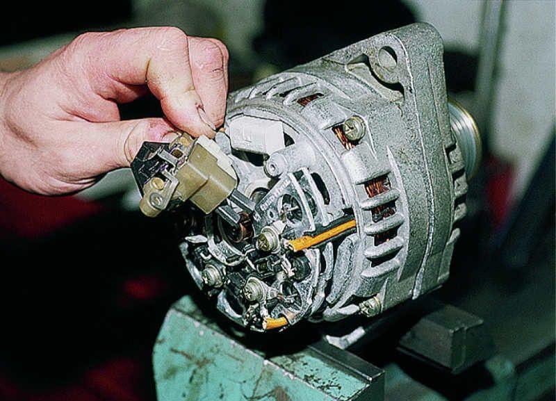 Электрическая схема md-100 ax.  И отводим lt b gt регулятор lt b gt lt b gt напряжения lt b gt с щеткодержателем.