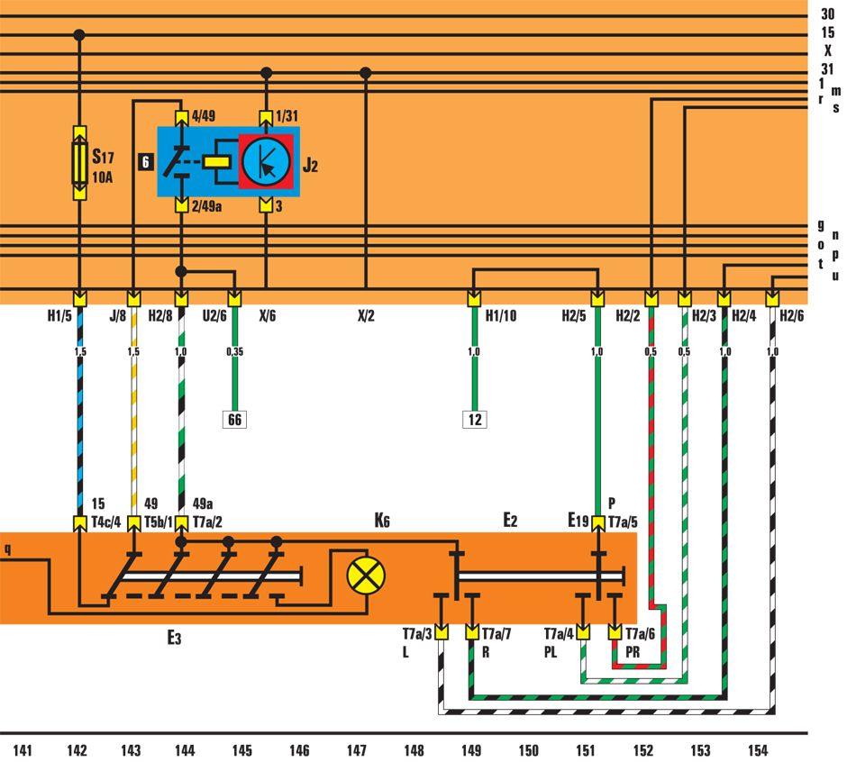 Т4с - разъемное соединение, 4 контакта, за облицовкой...  Е2 - переключатель указателей поворотов; ЕЗ...